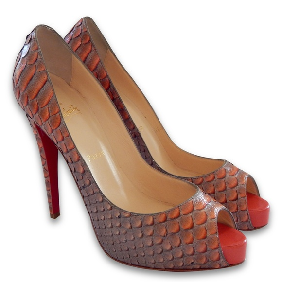 124394ed433 NEW Very Prive Python Mandarin/Red Pumps - Size 40 NWT